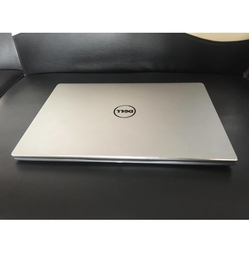 Dell Inspiron 15 7560 Core i5 VGA